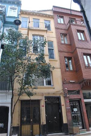 5 floors Building Near To Taksim Square- APH - 34103